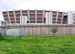 Un  nuovo suicidio a Sollicciano: la strage continua